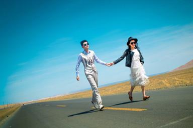 沙漠&沿线公路&新疆婚纱照&乌鲁木齐婚纱照